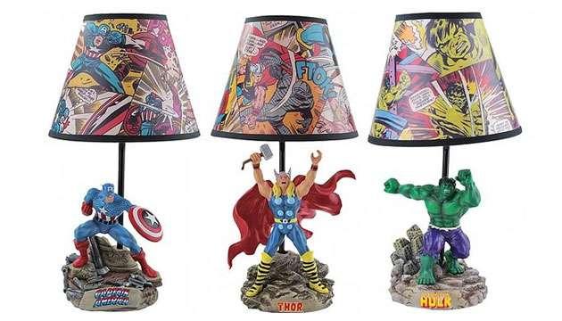 Abajur Os Vingadores - Capitão América, Thor ou Hulk (oficial Marvel)