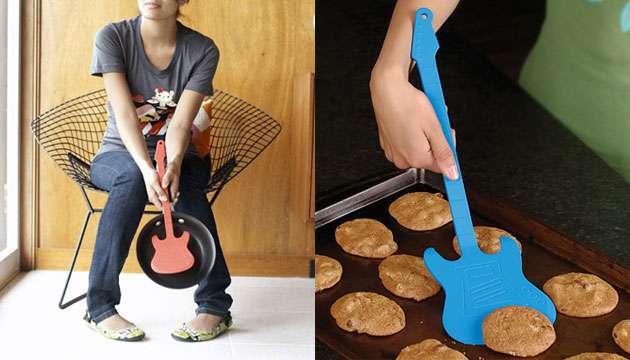 Espátula grande de Silicone Guitarra The Flipper - Azul, Preta ou Vermelha