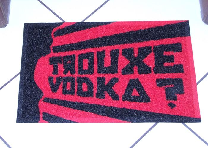 Capacho Trouxe VodkaVermelho