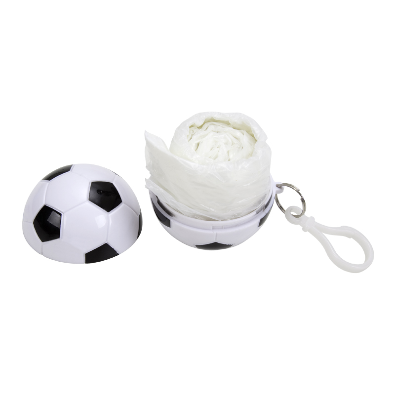 Chaveiro de bola de futebol com capa de chuva